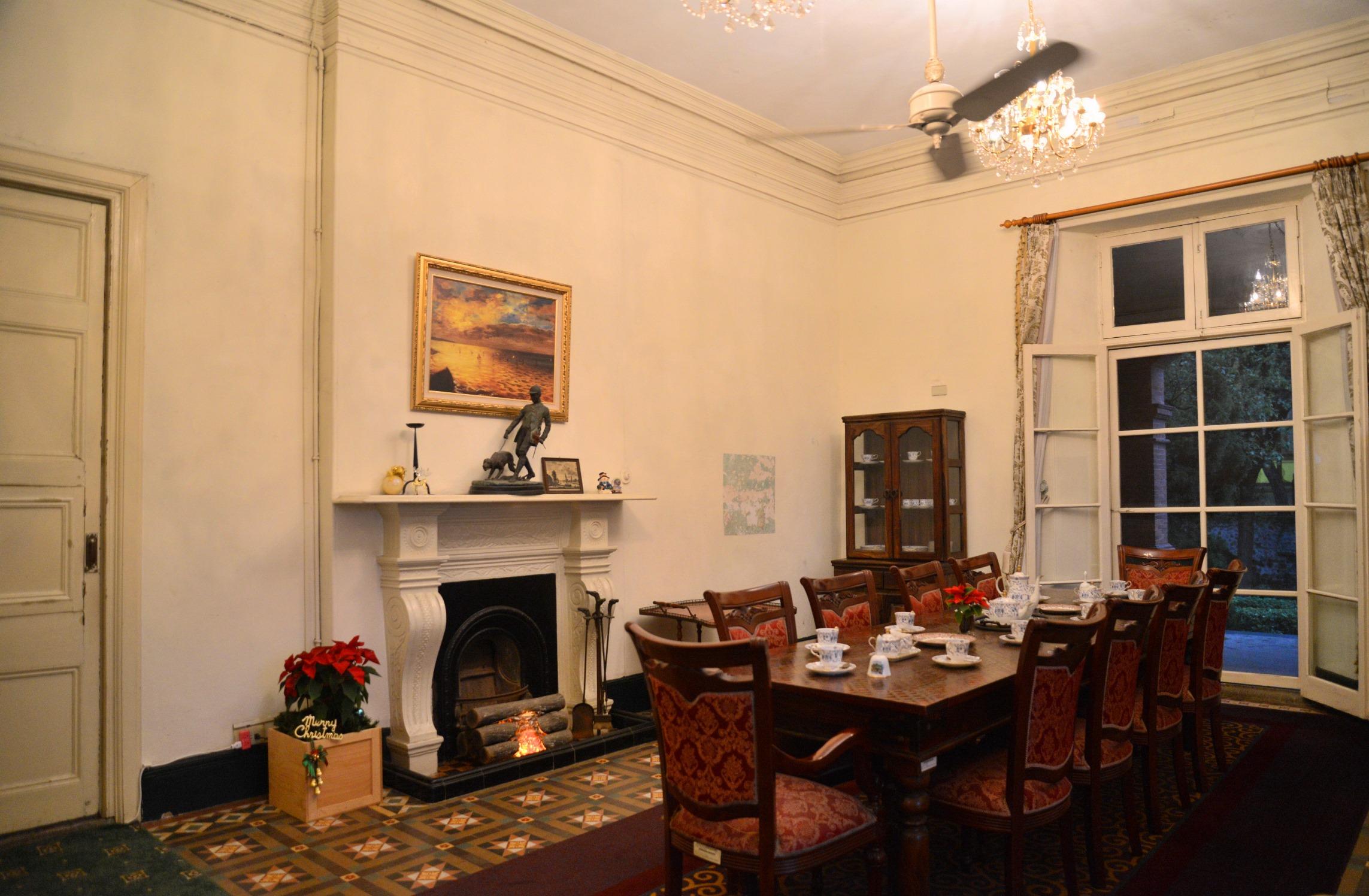 英國領事官邸裝潢設計與家具都非常精緻。