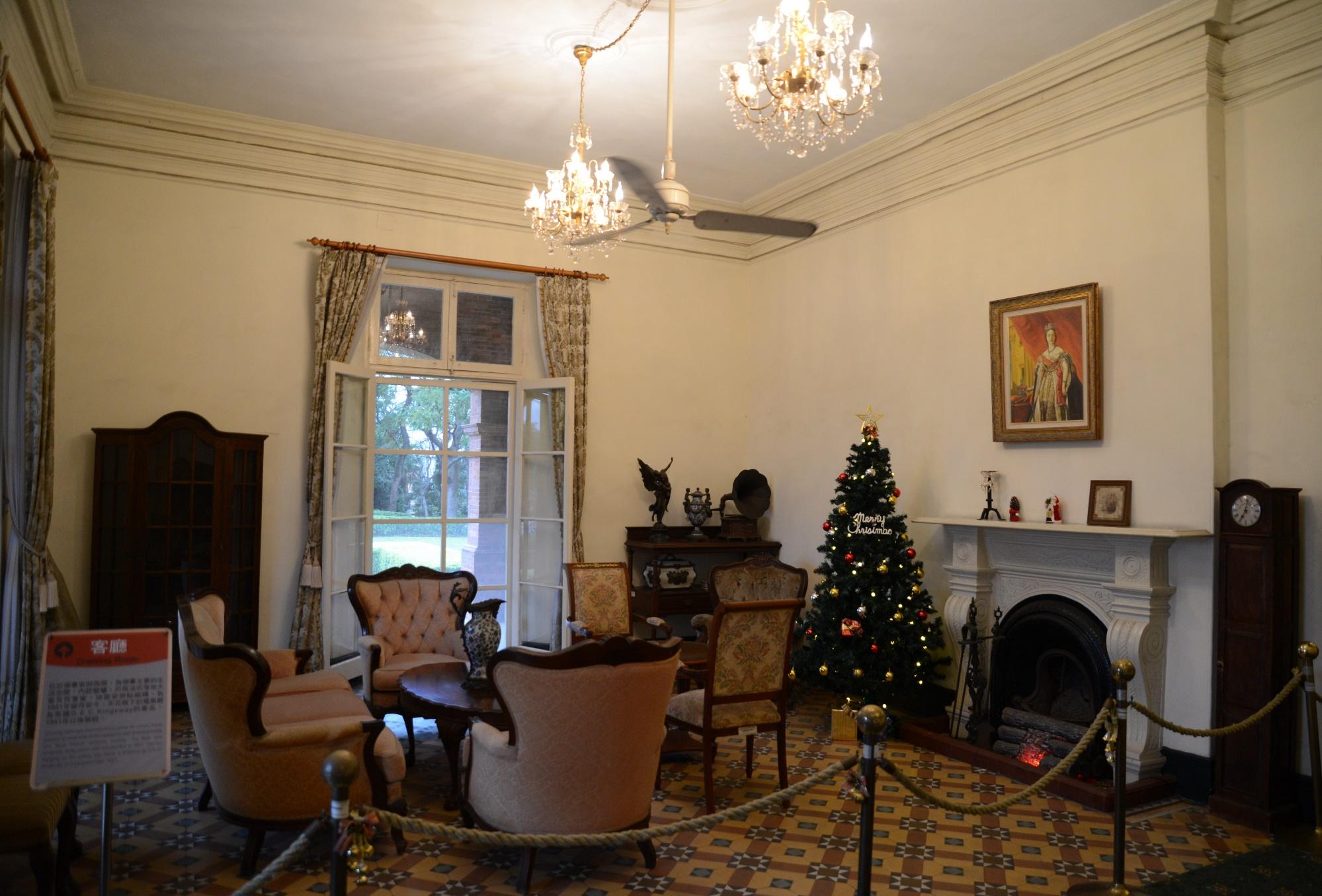 前清英國領事官邸裡的電扇、壁爐與地磚是帶不走的寶貝。