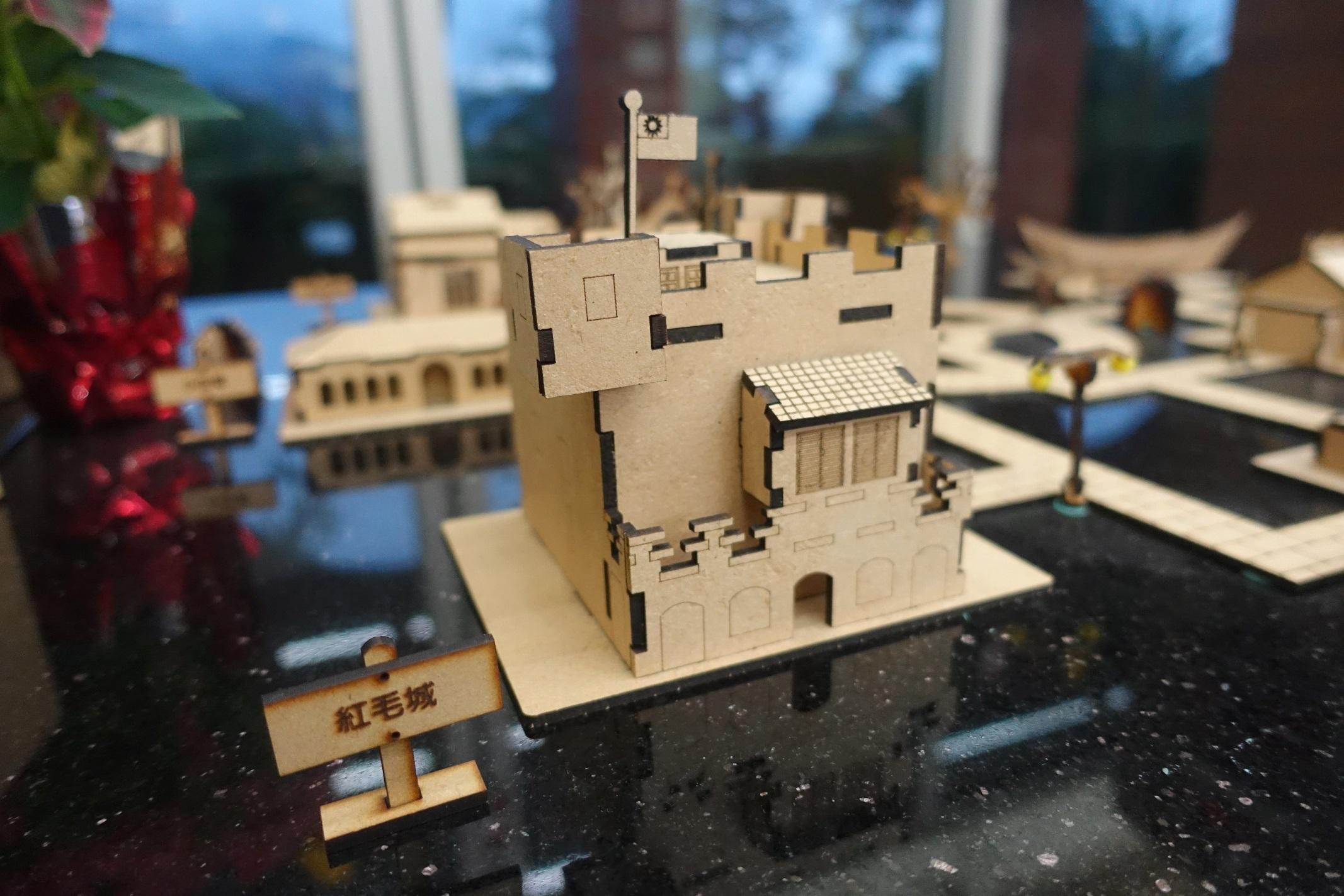 歡迎民眾到新北市立淡水古蹟博物館紀念品商店,品味「拼了!滬尾」3D立體拼圖的精緻設計。