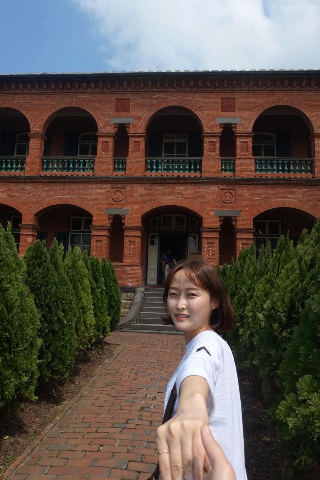 韓妞愛拍的景點之一,前清英國領事官邸入口。