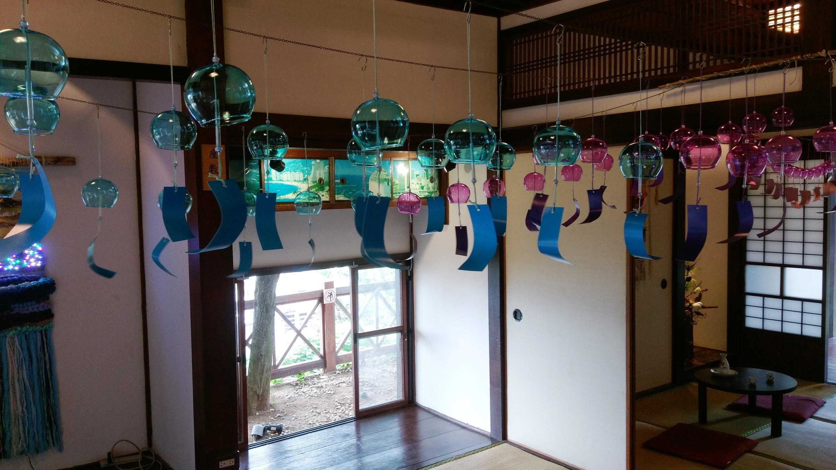 淡雨-郭佩奇展覽作品,編織物搭配風鈴,體驗淡水慢生活。