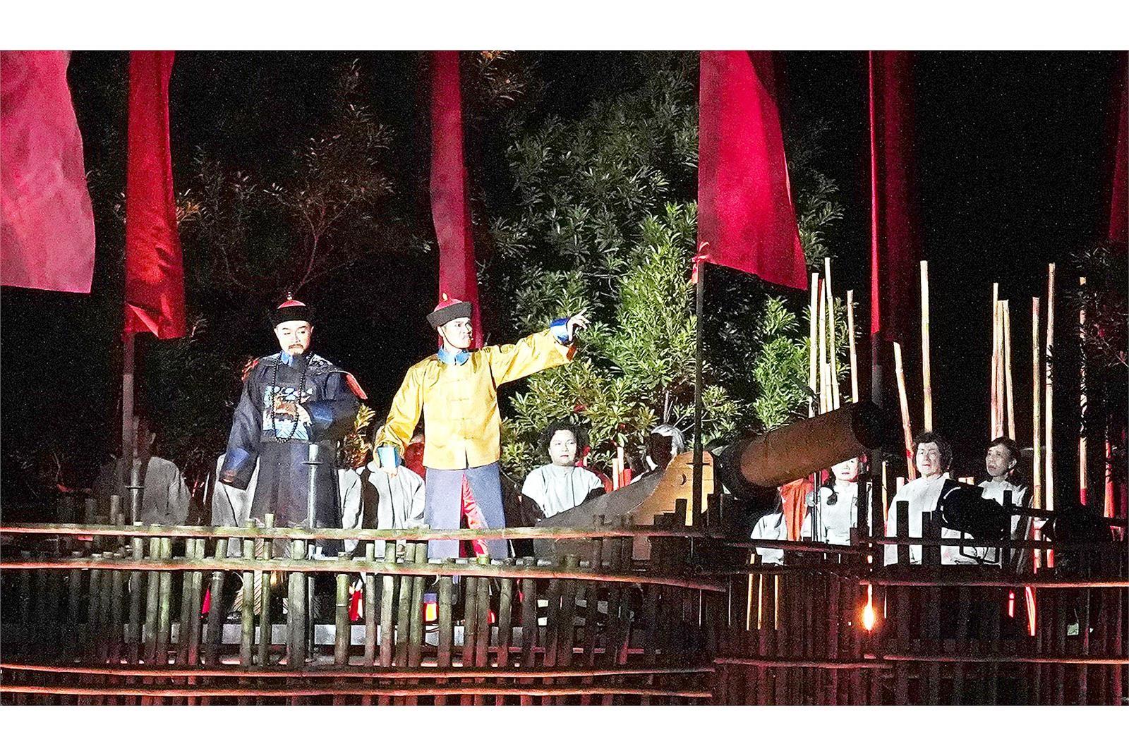 清法戰爭滬尾之役135周年,在滬尾砲台公園盛大登場的戶外史詩鉅作《戰祭1884》。(淡水古蹟博物館提供)